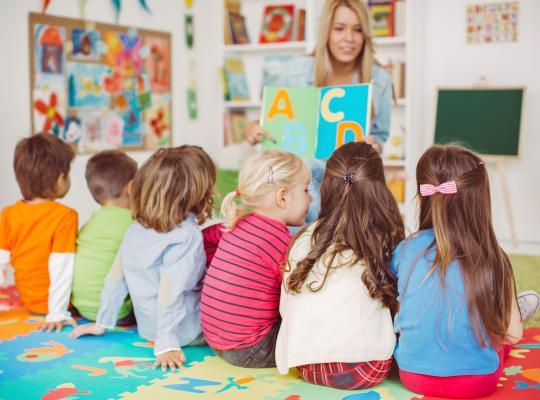 Vlaamse Regering pakt taalachterstand kleuters aan