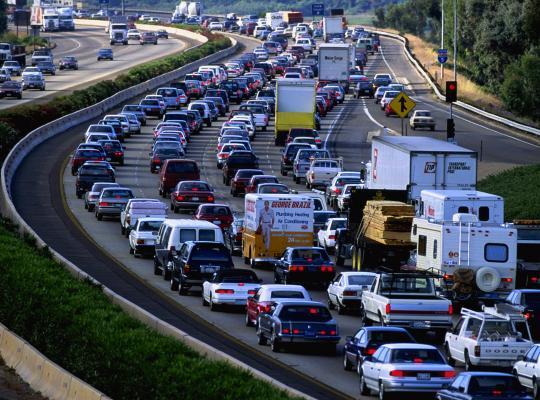"Minister Weyts: ""Minder files aan snelwegafritten"""